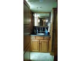 2014 WINNEBAGO ELLIPSE 42QD For Sale In Stevensville, MT 59870 image 6