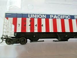 Intermountain # 453102-01 Union Pacific Bicentennial 4750' Rib-Sided Hopper (HO) image 2