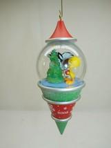 Hallmark 2005 Peek-A-Boo Looney Tunes Sylvester & Tweety Bird Ornament  - $8.90