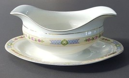 Johnson Brothers Gravy Sauce Boat With Attached Saucer Made In England Gold Rim - $35.15