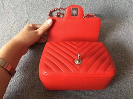 AUTHENTIC CHANEL RED CHEVRON QUILTED CAVIAR SQUARE MINI CLASSIC FLAP BAG SHW image 6