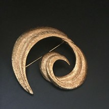 Estate Large Ridged Goldtone Swirl Pin Brooch – 2.25 x 2 inches – VERY G... - $13.09
