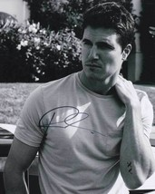 Robbie Amell In-Person AUTHENTIC Autographed Photo COA SHA #99202 - $55.00