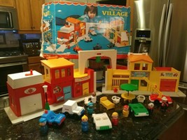 Vtg 1973 Fisher Price Little People Play Family #997 Village W/ Box Incomplete - $259.95