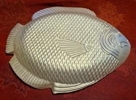 "Vintage Cream Opalescent Iridescent Glass Fish Candy Trinket Dish 6-3/8"" x 5""  image 2"