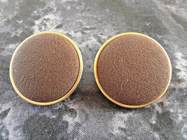 STUNNING VINTAGE ESTATE BROWN FABRIC BUTTON GOLD TONE EARRINGS - $3.00