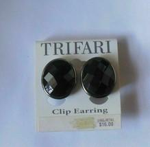 Vintage Trifari Hematite Black faceted Oval Clip Earrings - $18.80