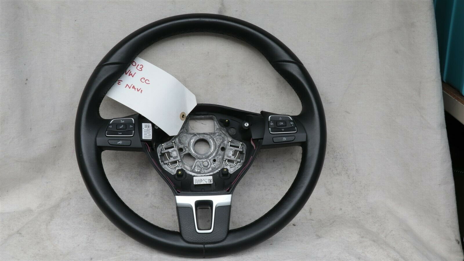 09 - 17 Volkswagen CC Eos Golf 3-Spoke Multifunction Steering Wheel Blck Leather
