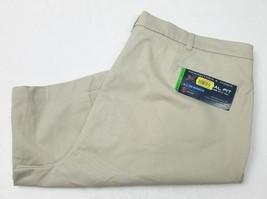 Roundtree & Yorke Mens Shorts Khaki Beige Relaxed Fit Size 44 - $16.83