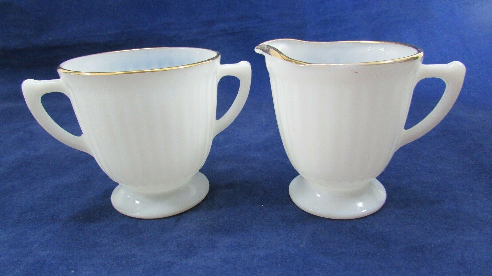 Vintage Macbeth Evans Monax Petalware Sugar and Creamer Set - $14.85