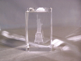 New York City - The Statue of Liberty  3D Laser Etched Hologram Paperweight - $11.10