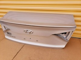 15-17 Hyundai Sonata Trunk Lid W/o Camera Spoiler or Taillights image 1