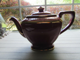 VTG HALL TEAPOT 0113 HOLLYWOOD MAROON WITH GOLD DECORATION 6 CUP  USA  - $28.66