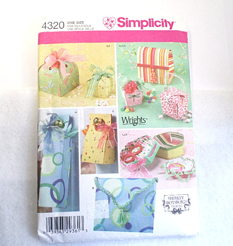 Simplicity pattern fabric boxes
