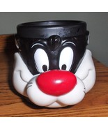Vintage 1992 Warner Brother's Looney Tunes Sylvester the Cat Plastic Cof... - $12.99