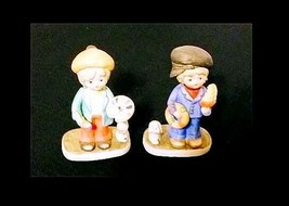 Collectible Boy & Girl Figurines AB 284 – Set of 2 Vintage