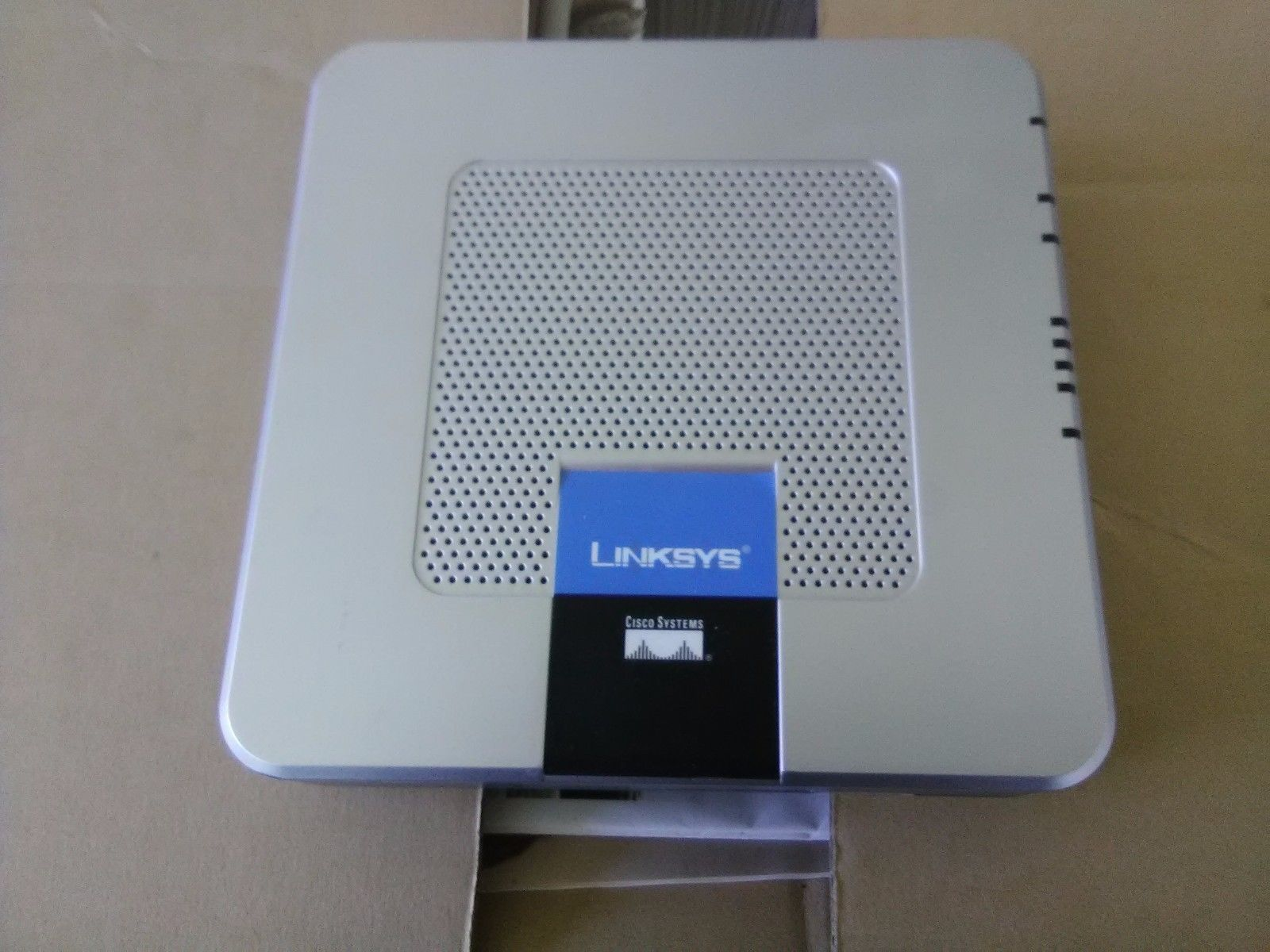 Linksys RTP300 1-Port 10/100 Wired Router and 50 similar items