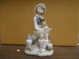 Lladro-GIRL SITTING WITH DOG #4910 Private Collection Mint In Box 8 1/2X... - $140.25