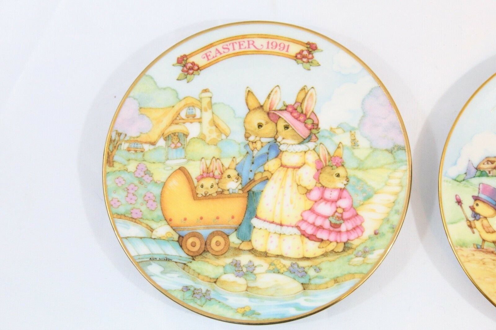 1991 & 1993 AVON COLLECTIBLE EASTER PLATES  WITH 22 KARAT GOLD TRIM