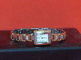 Pre-Owned Women's Carriage By Timex Fashion Dress Quartz Watch - $9.41