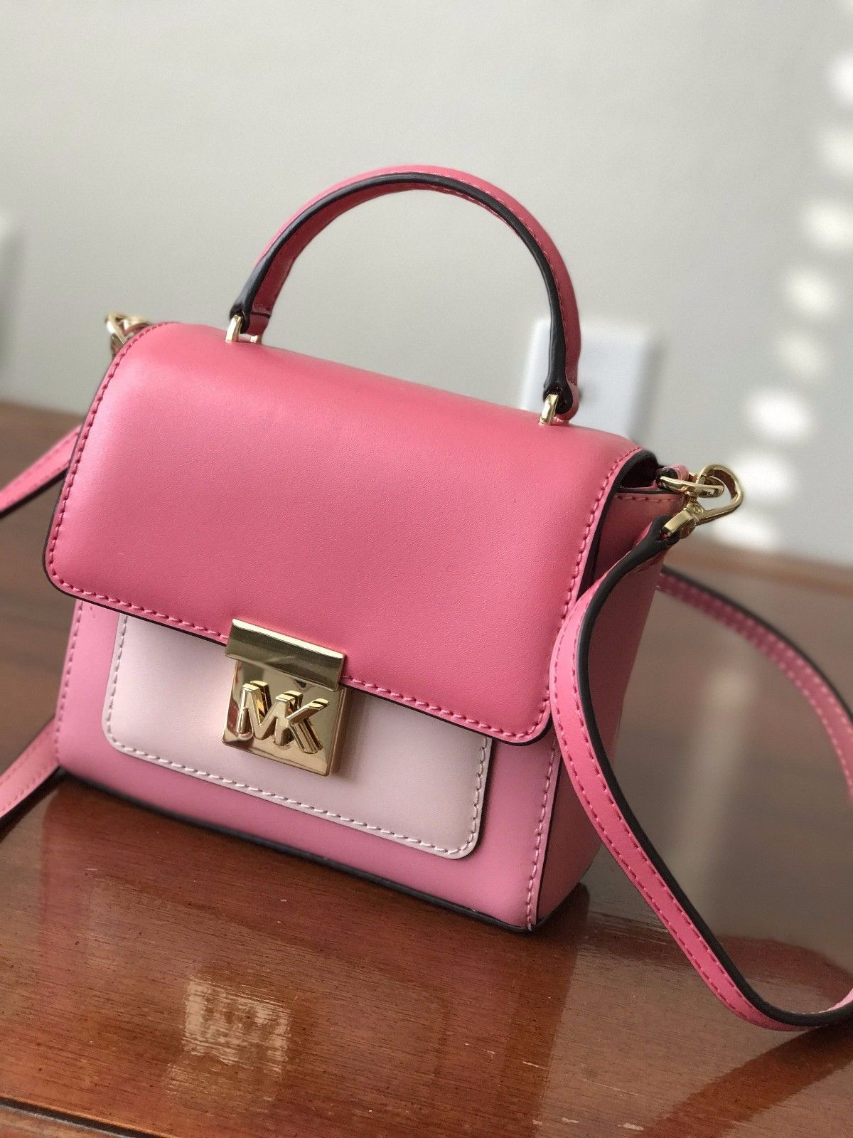 S l1600. S l1600. Previous. Michael Kors Mindy Mini Convertible Pebbled  Leather Crossbody Purse ... acffb440ca232