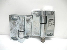 Banner SI-HG80DQD Hinge Safety Interlock Switch 230 Vac, 1.5 Amp - $43.29