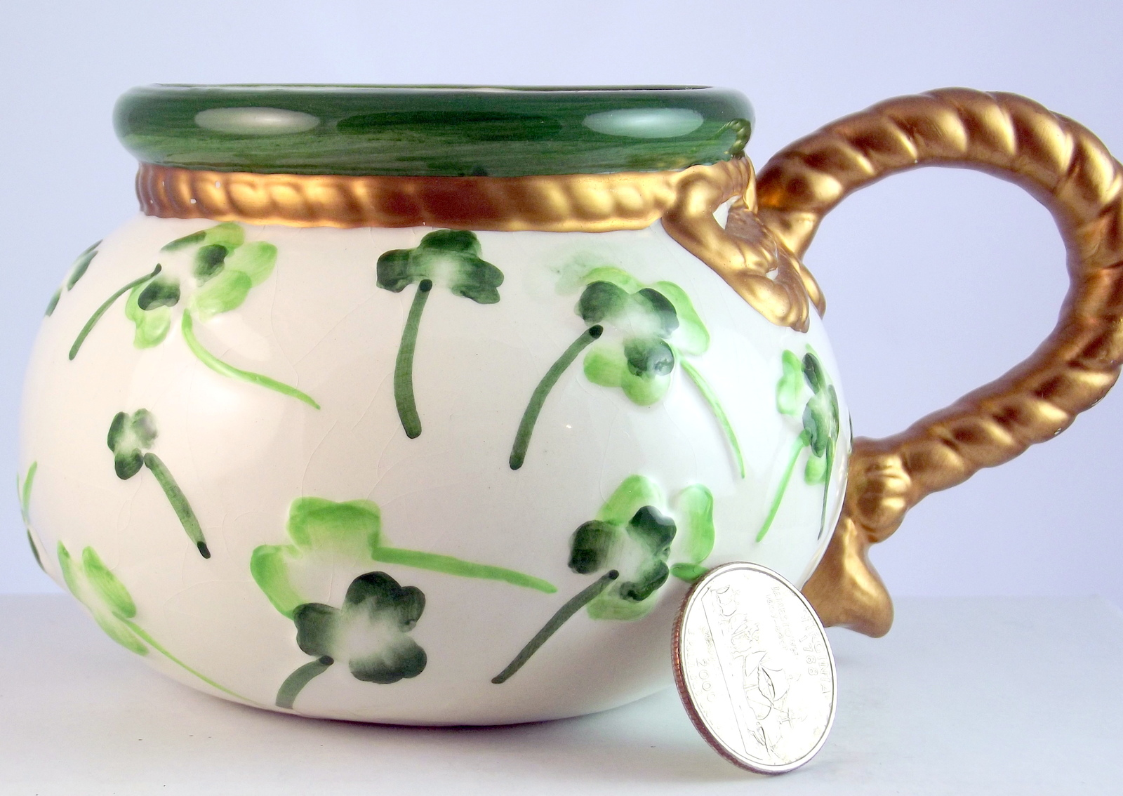 Vintage ceramic shamrock mug gold rope handle 1