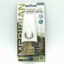 Night Light Meridian Real Tree Daylight LED NEW Switch Elk Horns Camo 5000K 1W - $11.57