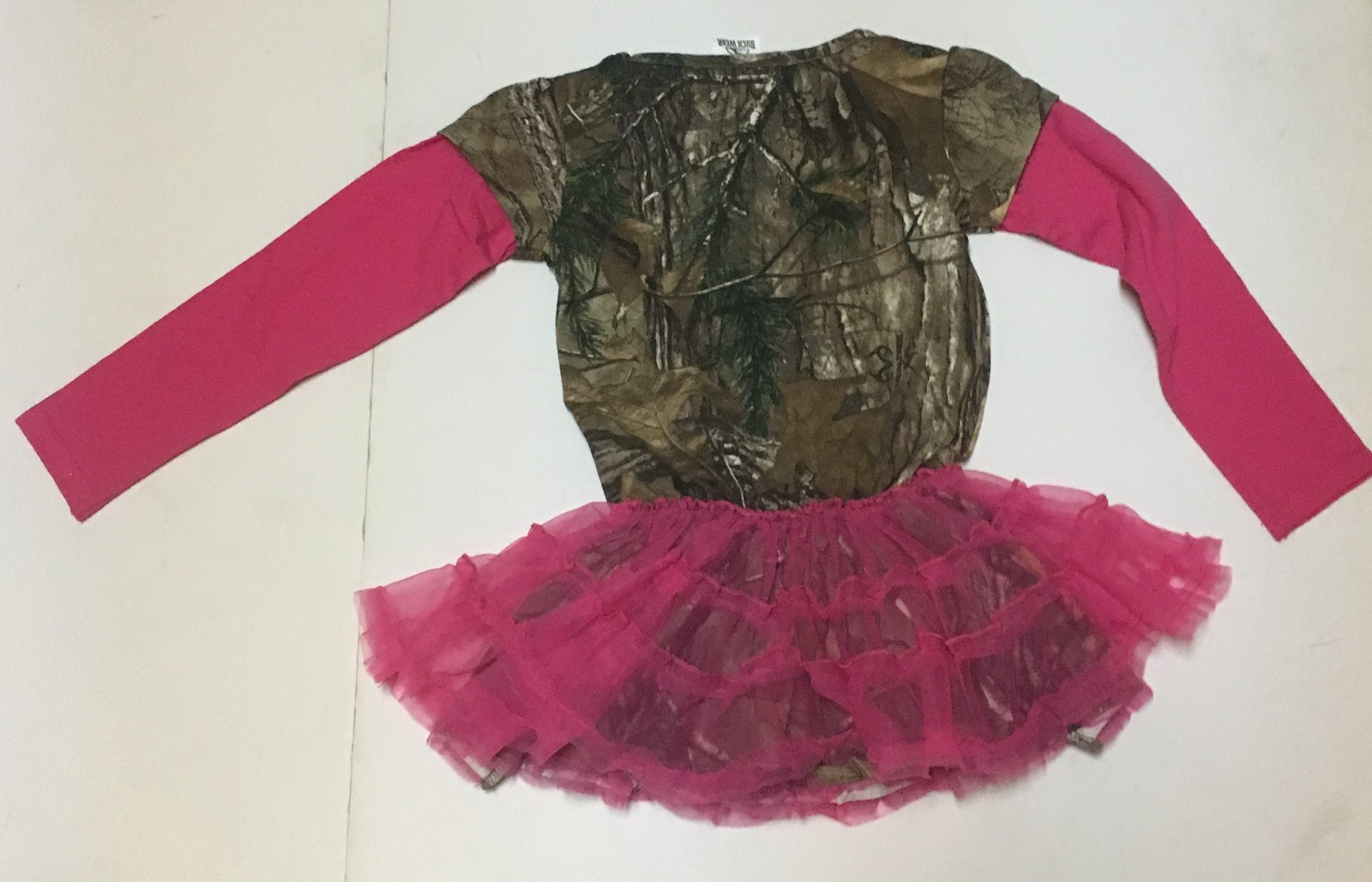 Realtree Buck Wear Hot Pink Camouflage Toddler Dress Sz 2T or 3T