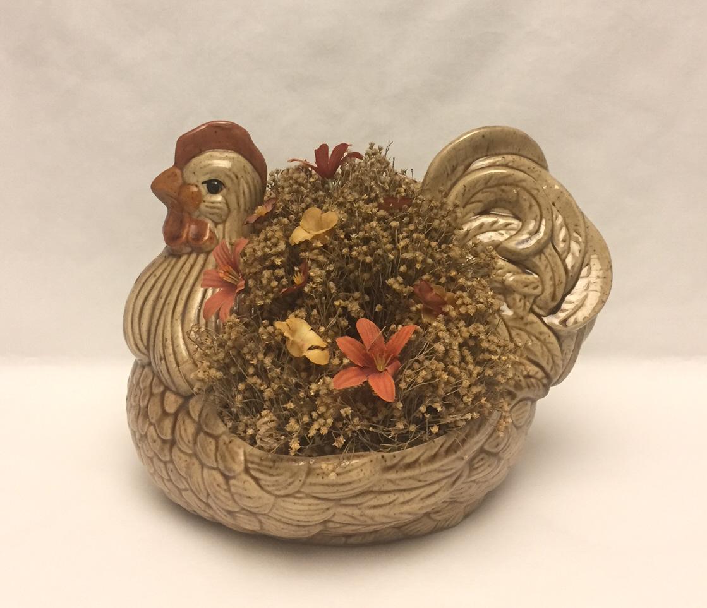 Vintage Arnel's pottery ceramic hen chicken planter flower pot 1970s