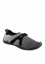 JSport Womens BLACK WHITE CYCLE WATER SHOES NEW - $39.59