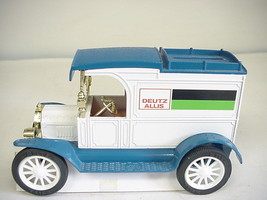ERTL Ford 1913 Model 'T' Van Replica Die-cast #2209 UO Car Bank  - $19.79