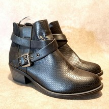 Soda Womens Sz 8 M Black Leather Ankle Boots Booties Buckle - $27.99