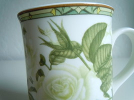 Royal Bone Mug Roses Collectors Series image 2
