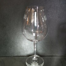 2 (Two) RIEDEL VINUM New World Pinot Noir Lead Free Crystal Wine Glasses -Signed image 2