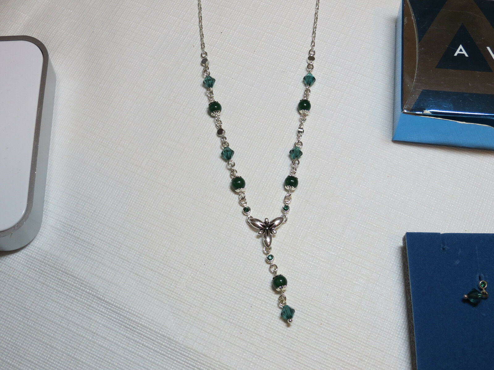New Avon Shades of Grey Turquoise /& Black Beaded Necklace /& Earring Gift Set