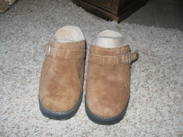 Ugg Women's Chesnut Brown Suede Shoes / Clogs Size 5 NIB - $54.00
