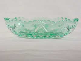 Dalzell Viking Collectors Classic Series Green Mist Glass Oval Bowl #190... - $40.00