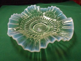 Beautiful Opalescent Ruffled Edge SERVING PLATE - $15.65