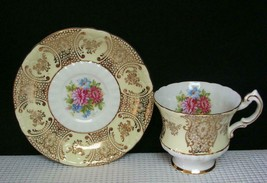 Paragon China Tea Cup & Saucer Yellow Band Gold Design Floral Center 566A Euc - $28.85