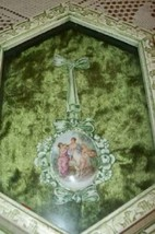 FRENCH CAMEO ORMOLU FILIGREE BOW ART SHADOW BOX PICTURE VELVET MID CENTURY - $911,17 MXN