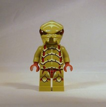 LEGO Galaxy Squad Olive Green Alien Buggoid Minifigure 70700 70704 Space - $8.35