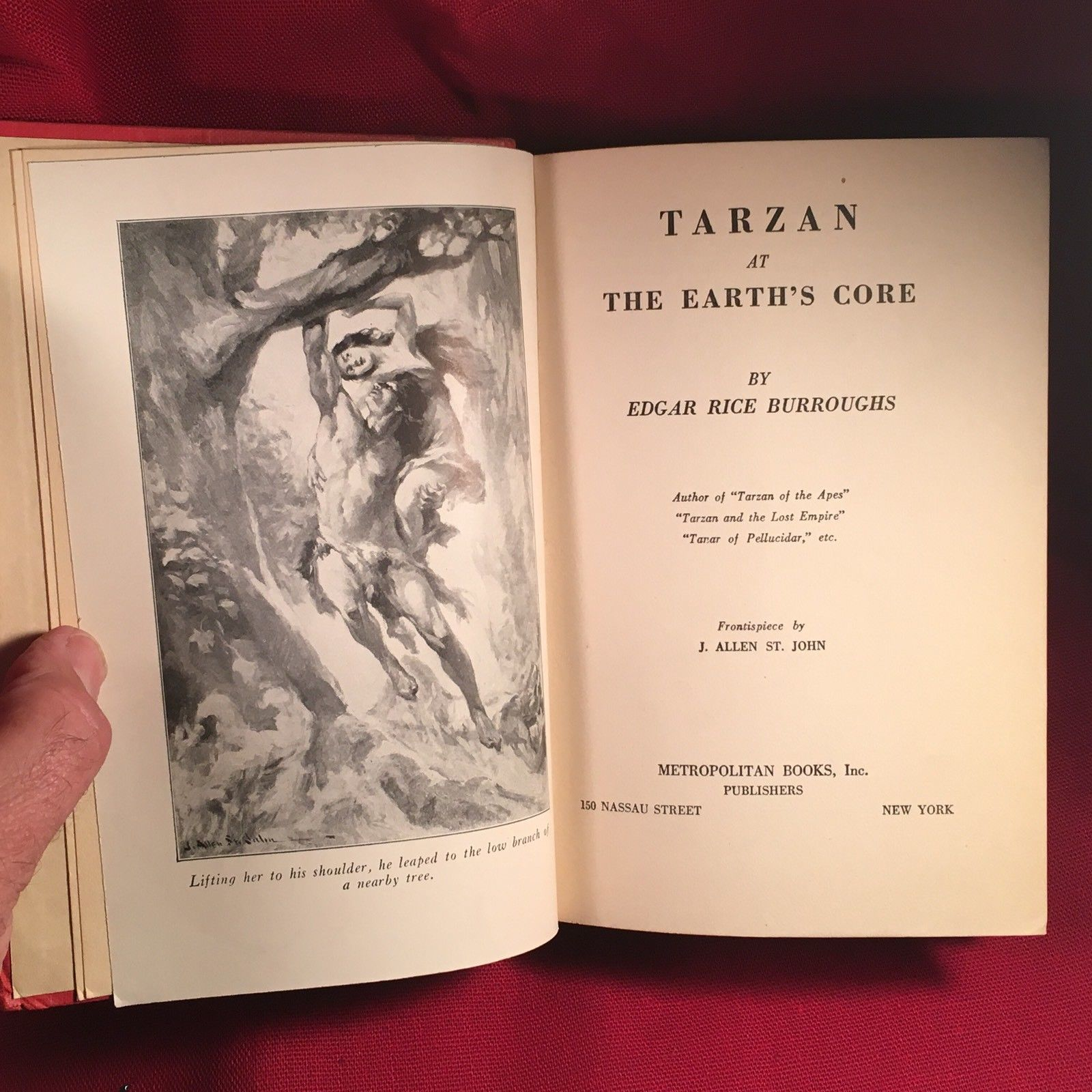 Edgar Rice Burroughs TARZAN AT THE EARTH'S CORE/1st  Nice Jacket