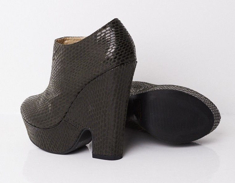 Textured Wedge Boots In Black Sizes : UK 4 to UK 7 Brand New