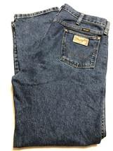 Wrangler Men's Regular Fit Straight Leg Blue Jeans Zipper Front 36x30  - $11.88