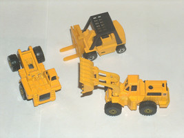 3 VTG 1979 Hot Wheels Caterpillar Forklift Loader Fifth Wheel Malaysia H... - $14.79