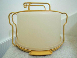 """Tupperware Cake Holder Clear Lid on Gold Base 11"""" Vtg Container Carrier EUC - $18.80"""