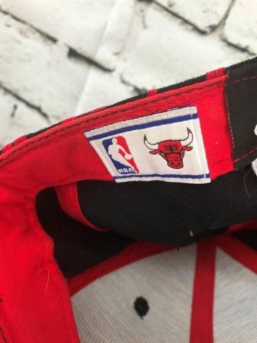Adidas Chicago Bulls Mens Sz 7 1/8 Hat Red Black 100% Wool Fitted Baseball Cap