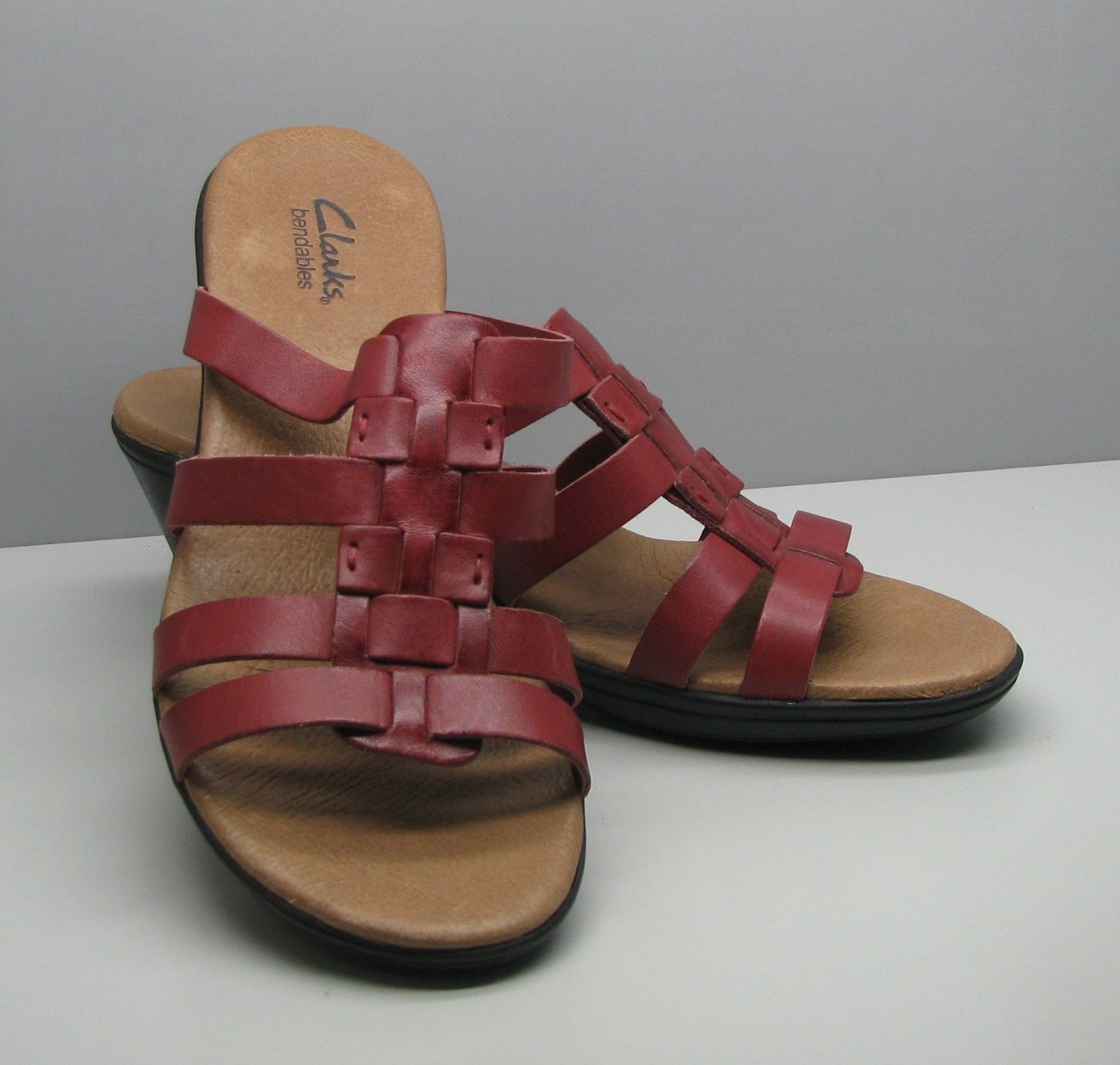 Primary image for Clarks Bendables Woman's 7.5 M SHOES Red Burgundy Leather Sandals w Heel