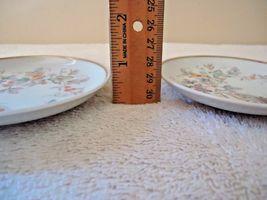 Vintage Set Of 2 1979 Avon Fine Porcelain 22 K Gold Trim Collector Plates  image 5